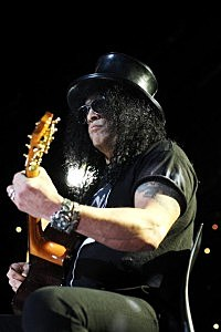 Slash Plays Max Sessions