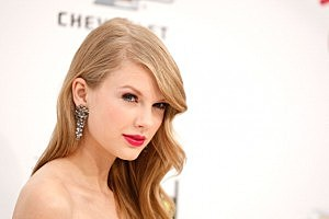 2011 Billboard Music Awards - Arrivals - taylor swift