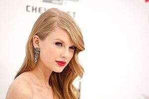 2011 Billboard Music Awards - Arrivals - taylor swift