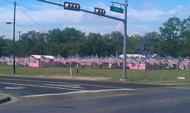 flags in chandler