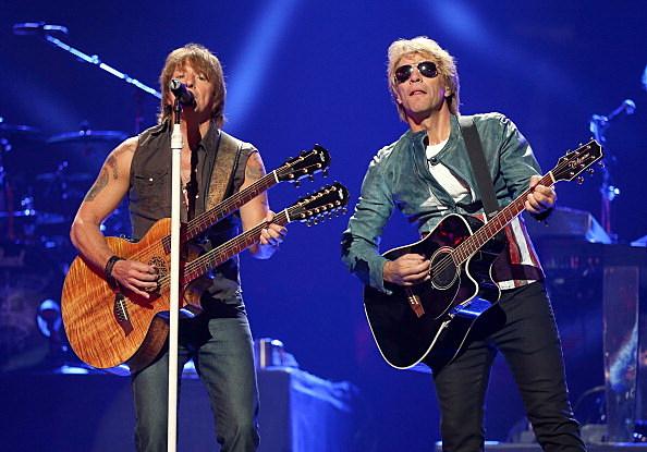 Bon Jovi - Richie Sambora (L) and singer Jon Bon Jovi