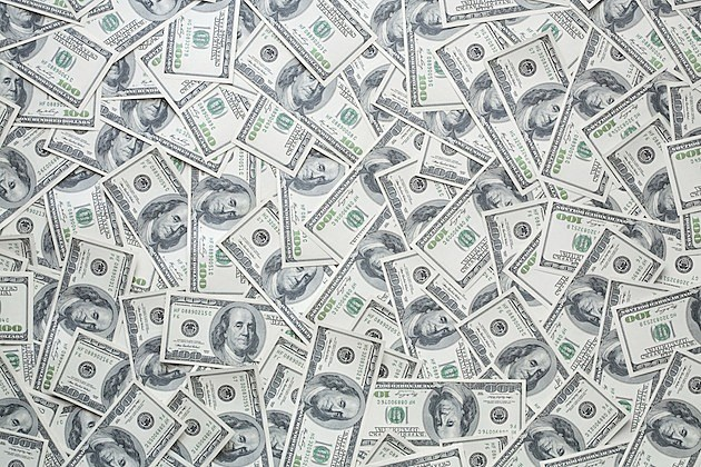 Hundred-Dollar-Bills-Credit-iStock-93180886