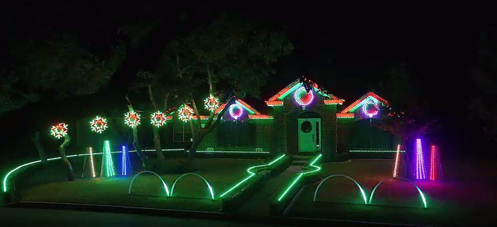 Check Out This Spectacular Dubstep Christmas Light Show in Texas